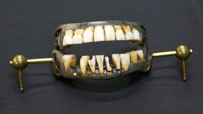 Washington and the Myth of Wooden Teeth