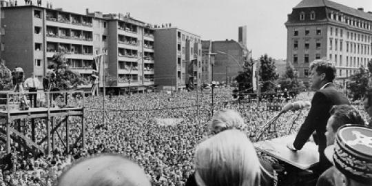 """""""Ich Bin Ein Berliner"""": Kennedy in Berlin,1963"""